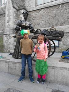 Dublin1 17032015 Molly Mallone  Deborah ja