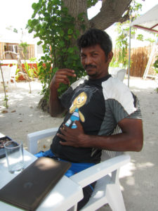 Maldiivid Joosep Hallikas kohalik ujmisinstruktor